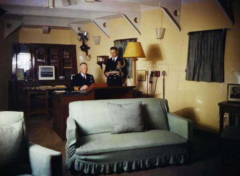 Click image for larger version.  Name:01.00. 15 Admiral's Cabin of HMS King George V with Admiral Tovey 1942.jpg Views:3 Size:103.8 KB ID:2150538