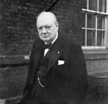 Click image for larger version.  Name:01.00. 2 c Winston Churchill outside 10 Downing Street, 21 November 1941.jpg Views:4 Size:31.9 KB ID:2124146