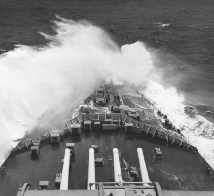 Click image for larger version.  Name:01.00. 20 06 HMS Duke of York crashes across the North Atlantic as it conveys Churchill for a co.jpg Views:3 Size:119.0 KB ID:2150610