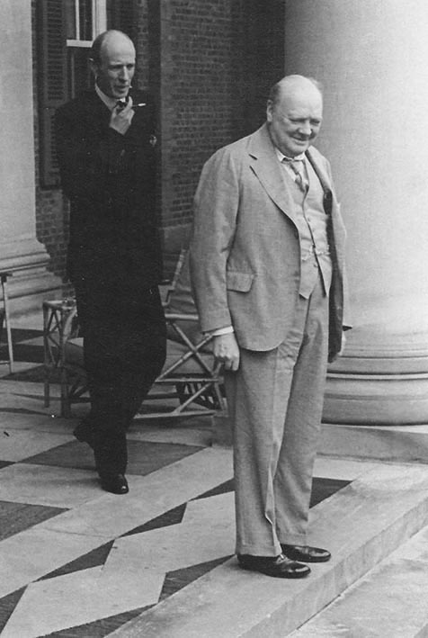 Click image for larger version.  Name:01.00. 22 01 The Prime Minister and Lord Halifax on the steps of the Embassy.jpg Views:3 Size:71.2 KB ID:2150690