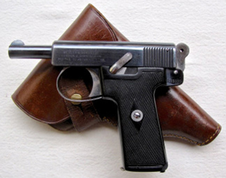 Click image for larger version.  Name:01.00. 23 06 z Walter H. Thompson .32 calibre Webley & Scott self-loading pistol.jpg Views:2 Size:119.8 KB ID:2150802