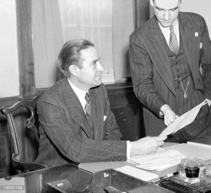 Click image for larger version.  Name:01.00. 3 0 12 1941 w averell harriman in his office london.jpg Views:1 Size:79.0 KB ID:2135602