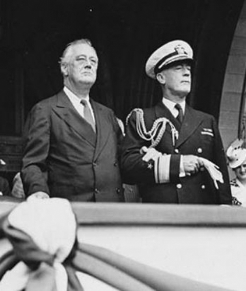 Click image for larger version.  Name:01.00. 3 0 7 a 7 Annapolis Naval Academy Roosevelt and Rear Admiral Wilson Brown.jpg Views:1 Size:120.3 KB ID:2132562