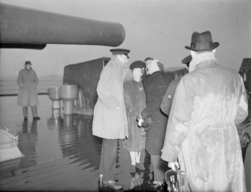 Click image for larger version.  Name:01.00. 3 0 8 a 27 JANUARY 1941 Lord Halifax leaving the ship at Annapolis. Mr and Mrs Butler, Mi.jpg Views:2 Size:145.0 KB ID:2132650