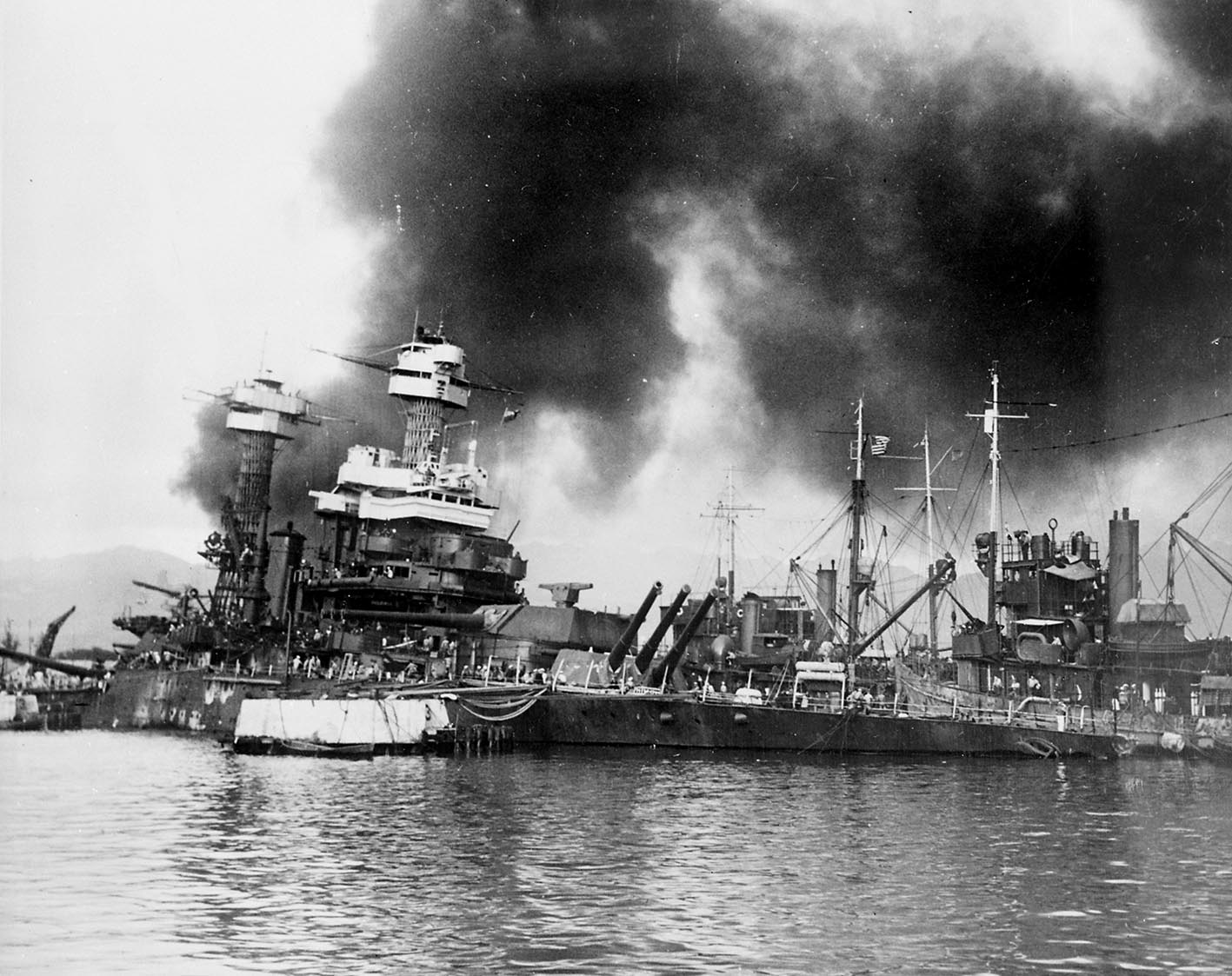 Click image for larger version.  Name:01.00. 3 4 1 2 USS California (BB-44) sinking at Pearl Harbor.jpg Views:4 Size:226.8 KB ID:2135786