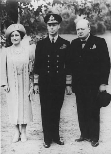 Click image for larger version.  Name:01.00. 3 8 Churchill with King George VI and Queen Elisabeth.jpg Views:4 Size:54.3 KB ID:2138370