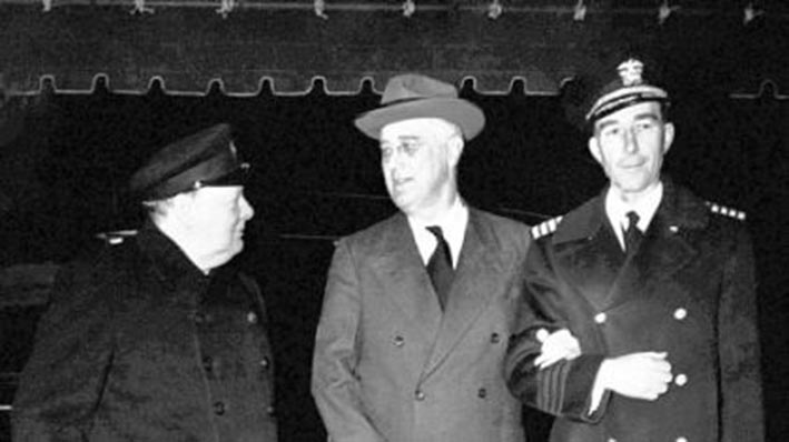 Click image for larger version.  Name:01.00. 47 05 22 Dec 1941 White House Churchill, Roosevelt, his naval aide Capt Beardell.jpg Views:1 Size:48.3 KB ID:2156058