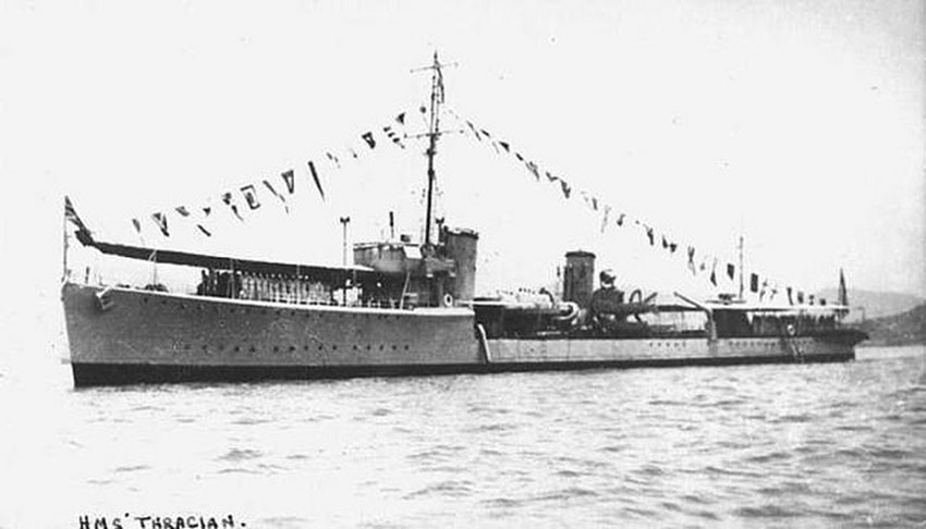 Click image for larger version.  Name:01.00. 53 04 8 10 Hongkong HMS Thracian in 1941 2.jpg Views:2 Size:65.6 KB ID:2159114