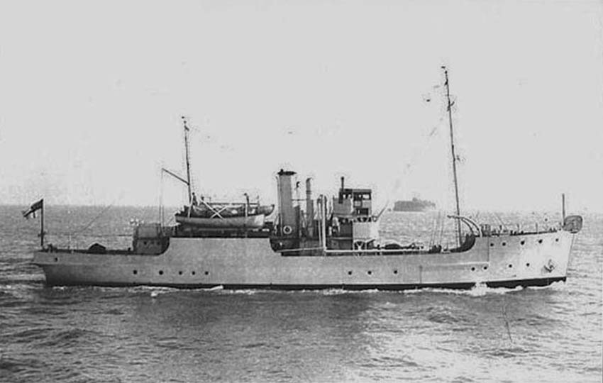 Click image for larger version.  Name:01.00. 53 04 8 14 Hongkong HMS REDSTART 3.jpg Views:1 Size:53.6 KB ID:2159154