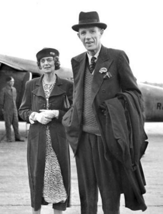 Click image for larger version.  Name:01.00. 53 32 Lady and Lord Halifax 1941.jpg Views:3 Size:139.9 KB ID:2165586