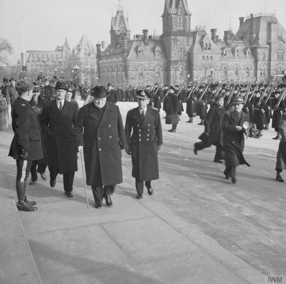 Click image for larger version.  Name:01.00. 55 13 3 Inspector Thompson, Churchill and Cdr Thompson arrive outside the Canadian Houses.jpg Views:1 Size:137.0 KB ID:2169146
