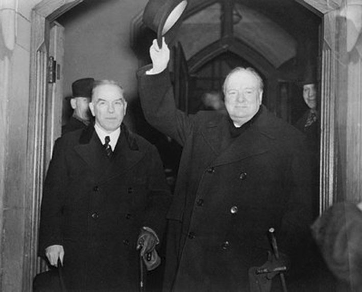 Click image for larger version.  Name:01.00. 55 13 7 Winston Churchill leaves the Parliament Buildings in Ottawa with Prime Minister W.jpg Views:2 Size:60.4 KB ID:2169170