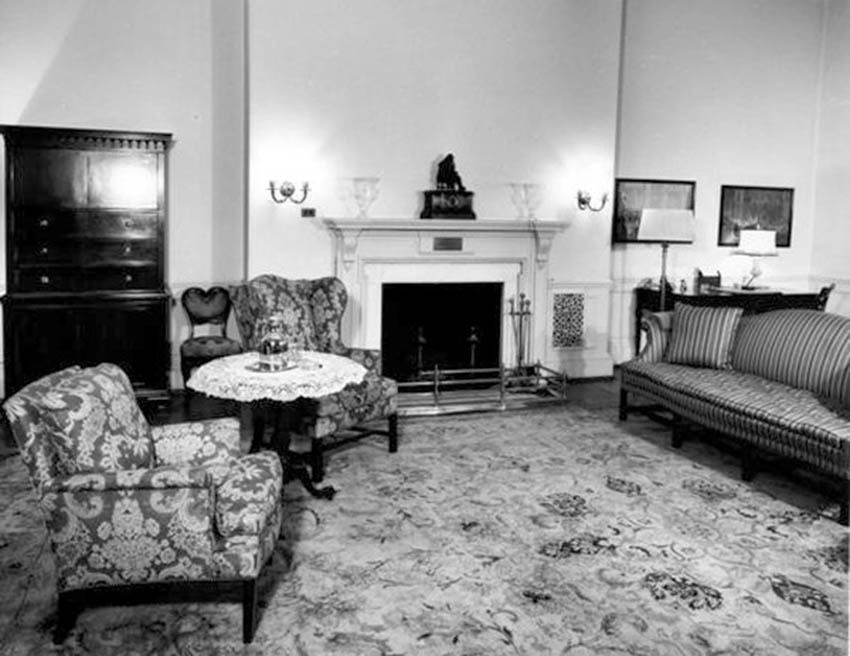 Click image for larger version.  Name:01.00. 6 f 4 10 The Rose Bedroom around 1947.jpg Views:1 Size:93.1 KB ID:2138514