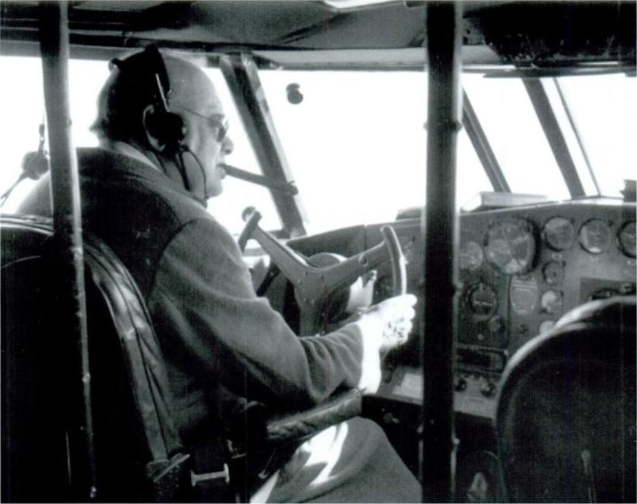 Click image for larger version.  Name:01.00. 84 Churchill at controls of the Boeing 314a Clipper with Cpt John Kelly-Rodgers flying bo.jpg Views:5 Size:92.6 KB ID:2172562