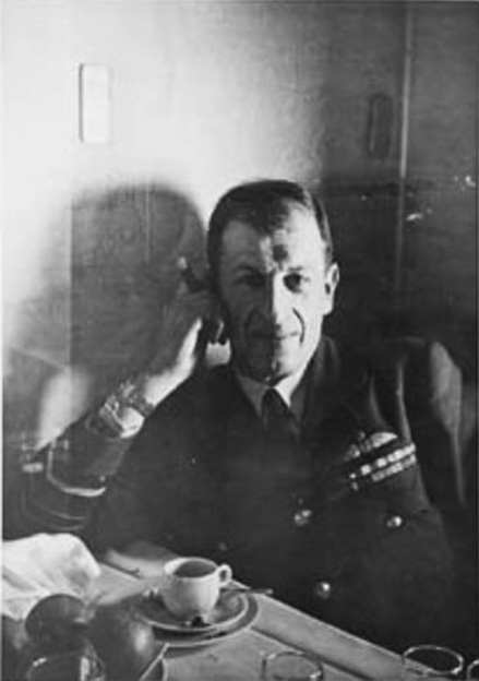 Click image for larger version.  Name:01.00. 86 Dinner 5 Air Chief Marshall Sir Charles Portal 1.jpg Views:1 Size:72.6 KB ID:2175706