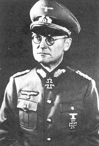 Click image for larger version.  Name:01.04. 1 0 11 e 21th PzDiv Generalmajor Karl Böttcher 1.jpg Views:30 Size:105.7 KB ID:2222938