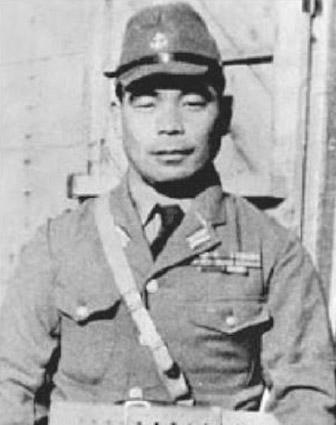 Click image for larger version.  Name:01.04. 1 3 d7 IJN Navy Lieutenant Commander Takashige Egusa 3.jpg Views:43 Size:50.0 KB ID:2277977