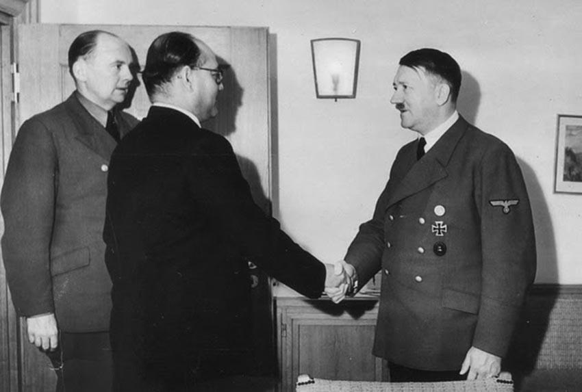 Click image for larger version.  Name:01.04. 1 4 j 1 Subhash Chandra Bose meets Adolf Hitler, May 1942.jpg Views:1 Size:58.3 KB ID:2311642