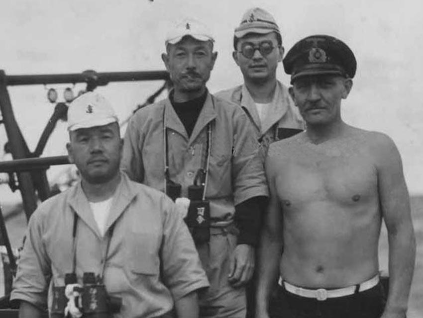 Click image for larger version.  Name:01.04. 1 4 n 2 I-29 Cdr. Izu Juichi with submarine flotilla commander Captain Teraoka Masao and .jpg Views:1 Size:64.6 KB ID:2314642