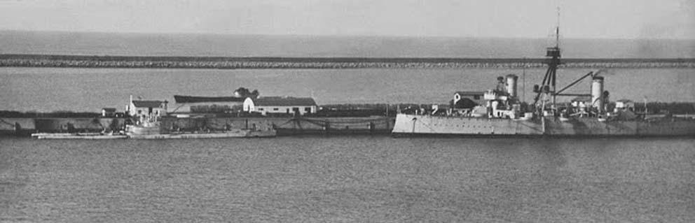 Click image for larger version.  Name:01.04. 1 4 o 10 Base Naval Mar del Plata old ARA cruiser General Belgrano as depot ship for subm.jpg Views:1 Size:52.1 KB ID:2317250