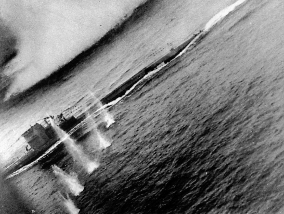 Click image for larger version.  Name:04 U-134 plane 21 August 1943 boat.jpg Views:2 Size:196.0 KB ID:553640