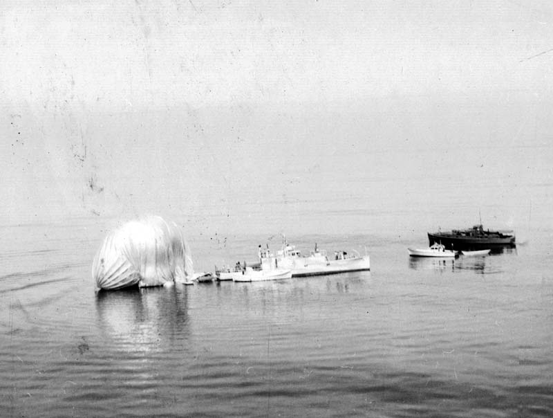 Click image for larger version.  Name:05 02 Recovery 04 K-14  In Water July 3 1944 2.jpg Views:6 Size:54.4 KB ID:553922