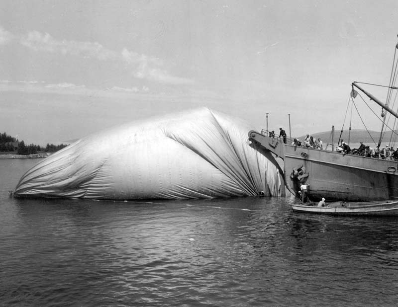 Click image for larger version.  Name:05 03 Recovery 07 K-14 In Water July 6 1944 1.jpg Views:3 Size:69.2 KB ID:553926