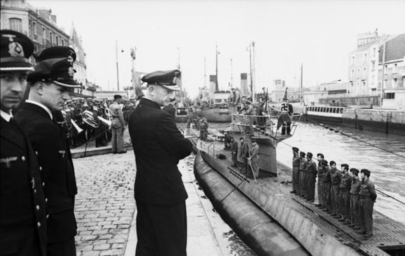 Click image for larger version.  Name:06 01 U-94 in St. Nazaire.jpg Views:1 Size:65.2 KB ID:554288