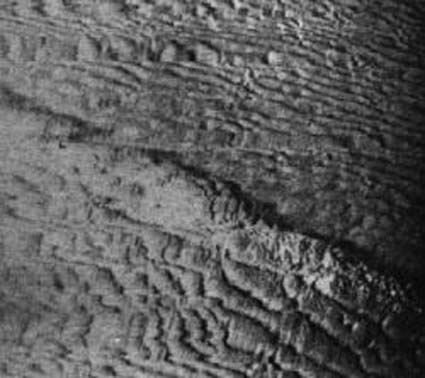 Click image for larger version.  Name:06 02 side-scan sonar image of the Type XI off Cape Cod, 1995.jpg Views:2 Size:47.4 KB ID:554302