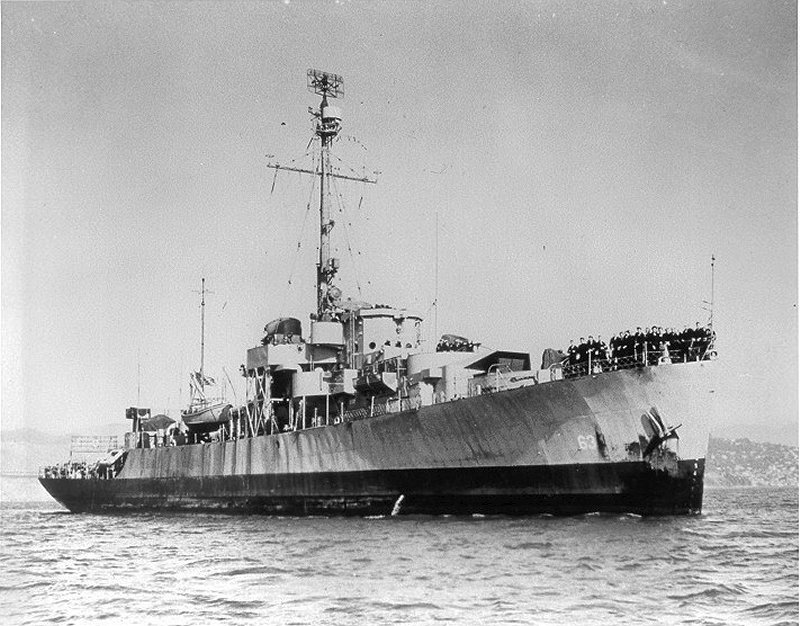 Click image for larger version.  Name:06 04 04 USS Moberly.jpg Views:2 Size:119.1 KB ID:554346