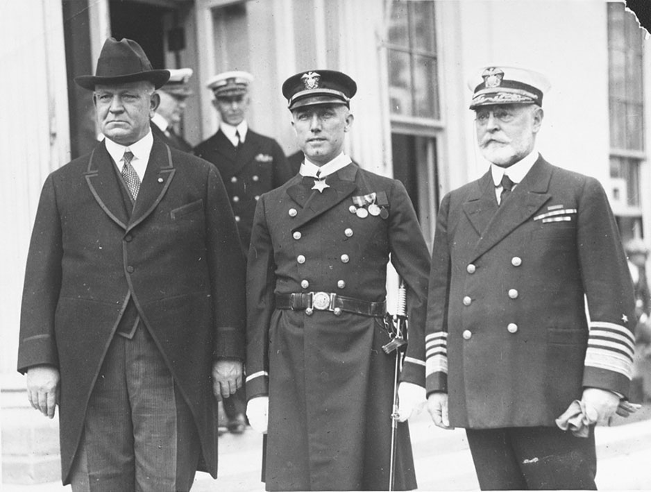 Click image for larger version.  Name:1. 0 0 1 Chief Gunner George Bradley, USN with Edwin Denby.jpg Views:2 Size:114.3 KB ID:3674995