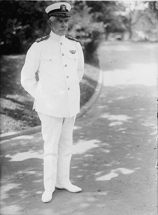 Click image for larger version.  Name:1. 0 1 1 United States Fleet Admiral Hilary Pollard Jones, Jr. 1921.jpg Views:2 Size:58.5 KB ID:3675025