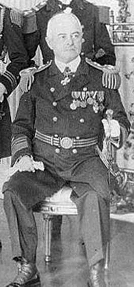 Click image for larger version.  Name:1. 0 4 1 Naval Forces Europe 1 Vice Admiral Philip Andrews.jpg Views:56 Size:41.6 KB ID:3675059
