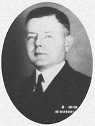 Click image for larger version.  Name:1. 0 4 3 Naval Forces Europe USS McCORMICK DD-223 CDR Allan Shannon Farquhar.jpg Views:47 Size:30.1 KB ID:3675601