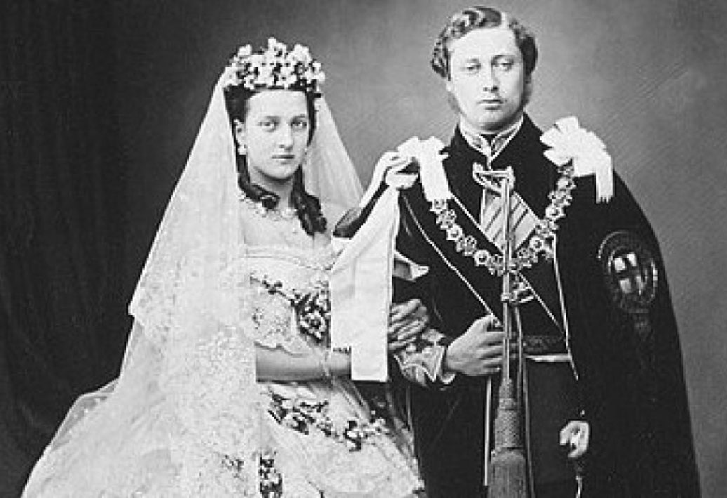 Click image for larger version.  Name:1. 1 0 2 1 Queen Victoria and Prince Albert.jpg Views:1 Size:121.6 KB ID:3645369