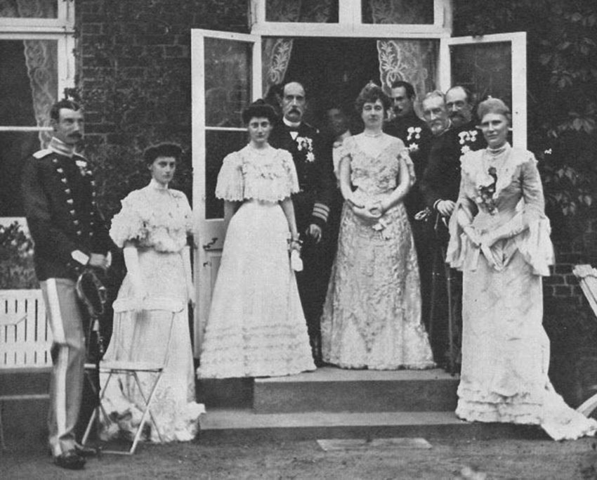 Click image for larger version.  Name:1. 1 1 2 King Christian IX of Denmark and Queen Louise and their children.jpg Views:1 Size:120.2 KB ID:3645387