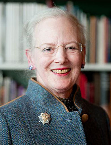 Click image for larger version.  Name:1. 1 1 3 2 Queen Elizabeth II Queen Margrethe II of Denmark.jpg Views:91 Size:63.4 KB ID:3645405