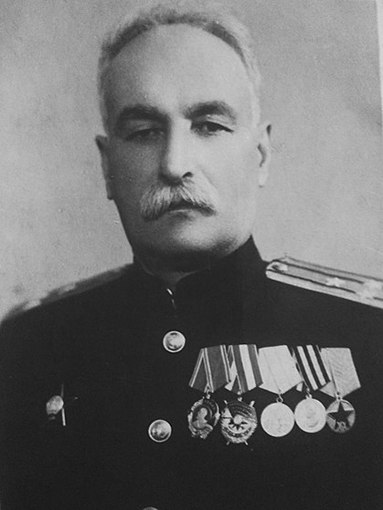 Click image for larger version.  Name:1. 1 1 4 0 3 9 Yacht Standard Captain 1st Rank Georgy Silvestrovich Zhvania.jpg Views:83 Size:106.9 KB ID:3646109