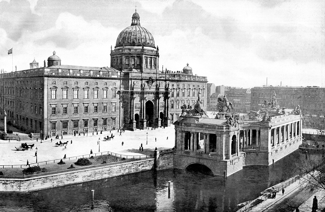 Click image for larger version.  Name:1. 1 1 4 0 4 2 Berlin City Palace 1900.jpg Views:1 Size:563.8 KB ID:3646619