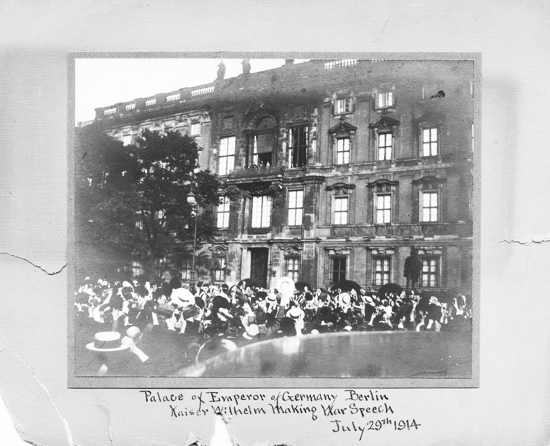 Click image for larger version.  Name:1. 1 1 4 0 4 2 Speech of Emperor Wilhelm II in front of the City Palace Berlin 1 August 1914.jpg Views:1 Size:684.2 KB ID:3646637