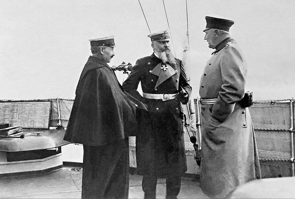 Click image for larger version.  Name:1. 1 1 4 1 3 Emperor Wilhelm II, Admiral v Tirpitz, Generaloberst v Moltke on board 1912.jpg Views:1 Size:172.4 KB ID:3646655