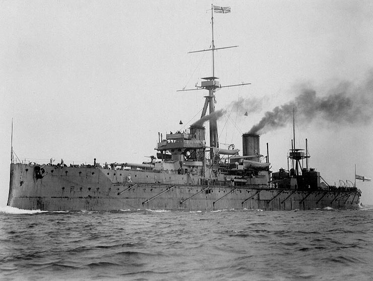 Click image for larger version.  Name:1. 1 1 7 0 2 naval race HMS Dreadnought at sea in 1906.jpg Views:2 Size:84.7 KB ID:3647325