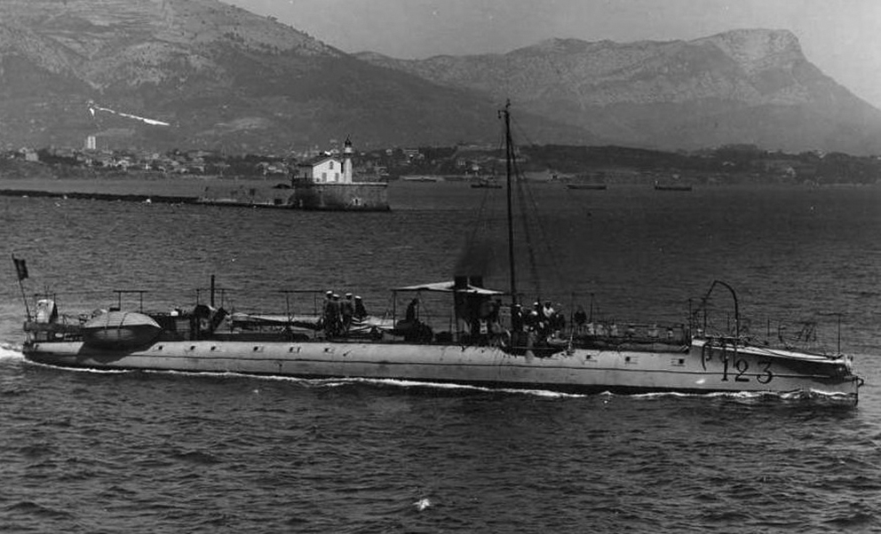 Click image for larger version.  Name:1. 1 1 7 2 0 5 8 Northern Fleet torpilleur № 123.jpg Views:1 Size:282.9 KB ID:3648167