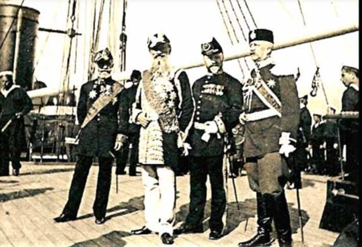 Click image for larger version.  Name:1. 1 1 7 2 2 1 Baltic fleet 12 Toulon 1893 guests on board 2.JPG Views:1 Size:72.4 KB ID:3649847