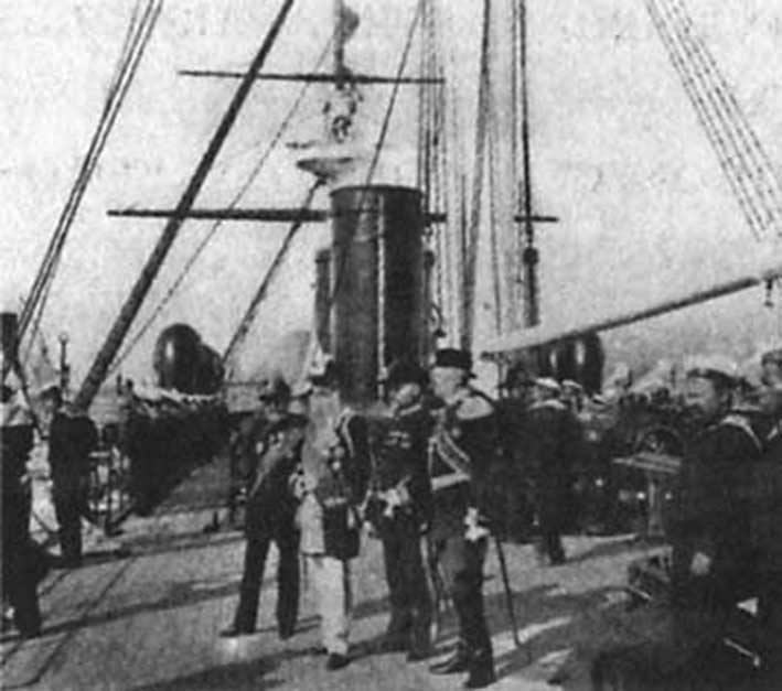 Click image for larger version.  Name:1. 1 1 7 2 2 1 Baltic fleet 12 Toulon 1893 guests on board on the deck of the squadron battleshi.jpg Views:1 Size:61.8 KB ID:3649849