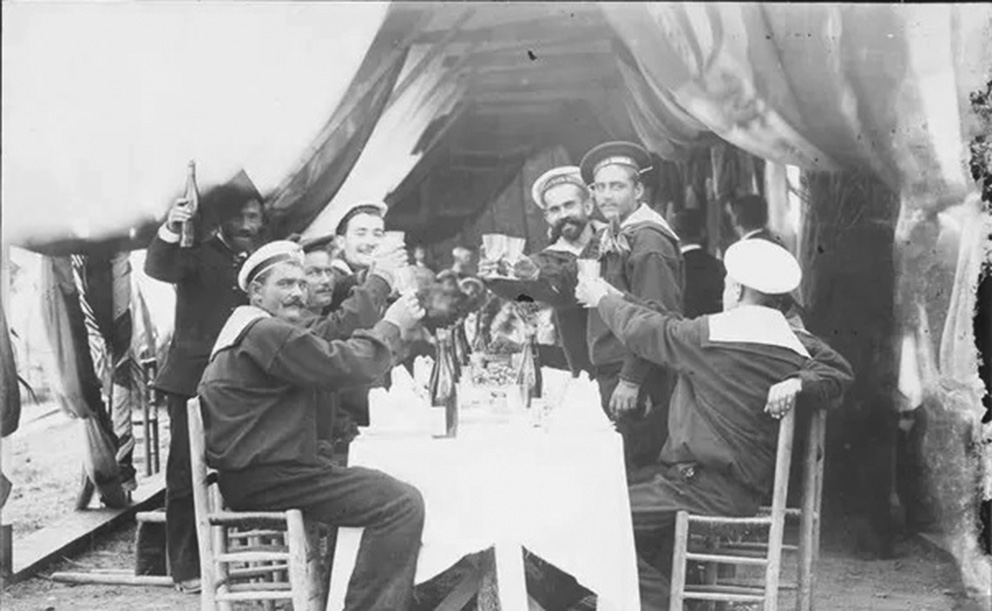 Click image for larger version.  Name:1. 1 1 7 2 2 1 Baltic fleet 13 Toulon 1893 French-Russian banquet.jpg Views:1 Size:145.7 KB ID:3649865