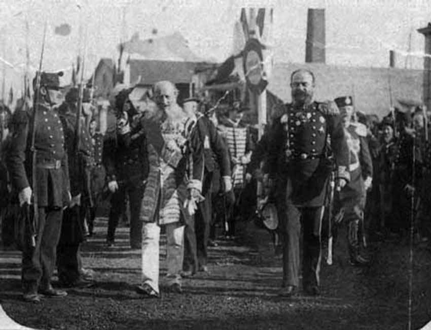 Click image for larger version.  Name:1. 1 1 7 2 2 1 Baltic fleet 20 amiral avellan on right and baron de mohrenheim Russian ambassado.jpg Views:1 Size:68.5 KB ID:3649895