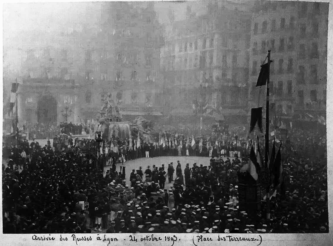 Click image for larger version.  Name:1. 1 1 7 2 2 1 Baltic fleet 30 Lyon, Place des Terreaux, arrival of  Admiral Avellan 1.jpg Views:1 Size:104.5 KB ID:3650531