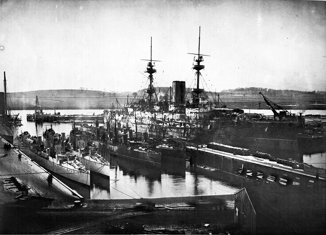 Click image for larger version.  Name:1.1. 2 1 0 0 1 Spanish Audaz Class 7 Clydebank HMS Jupiter fitting out, and destroyers Audaz and.JPG Views:2 Size:256.8 KB ID:3676215