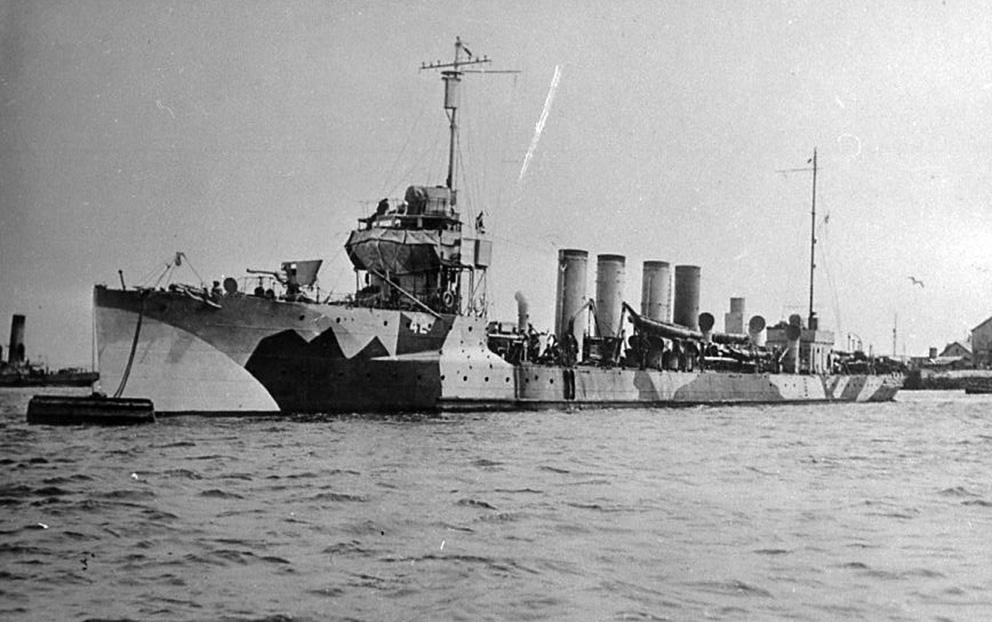 Click image for larger version.  Name:1.1. 2 1 2 broken deckers 2 5 flivvers USS Jenkins (DD-42).jpg Views:2 Size:188.6 KB ID:3677577